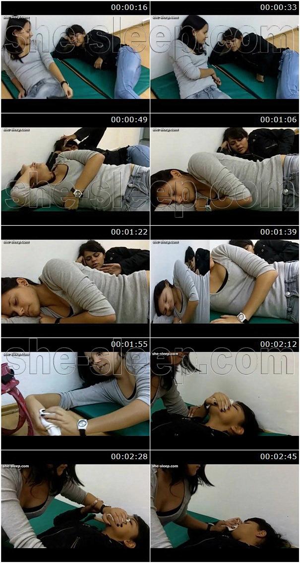 Too talkative girlfriend was put to sleep
